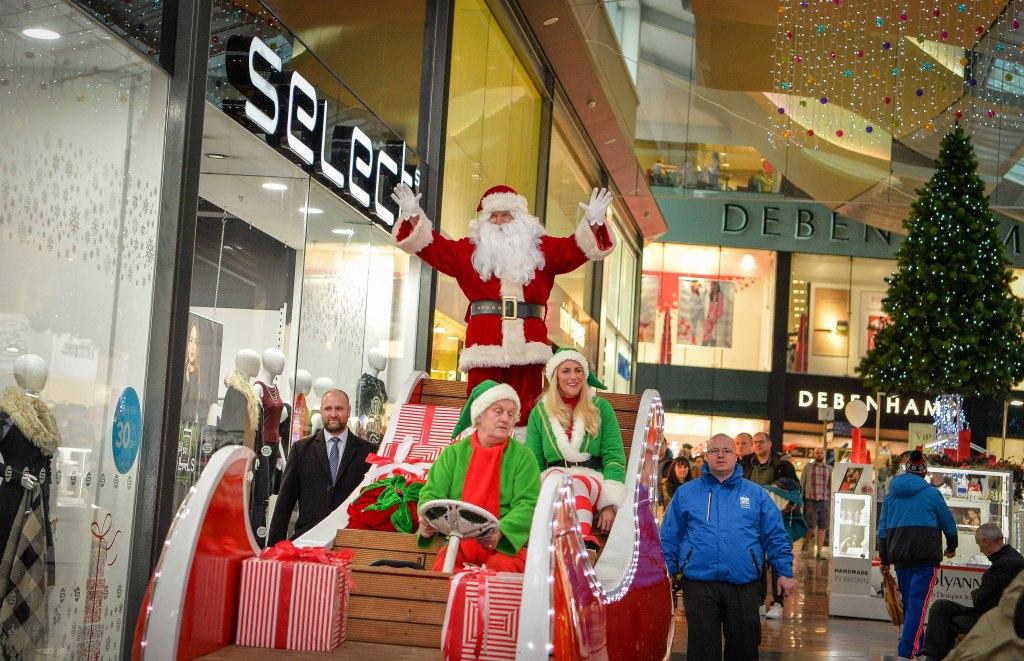 santa s magical sleigh a hit at warrington golden square. Black Bedroom Furniture Sets. Home Design Ideas